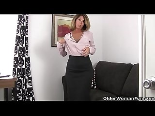 American milf niki needs a masturbation break
