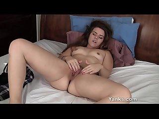 Yanks Hottie Sarah Taylor Masturbating Her Pussy